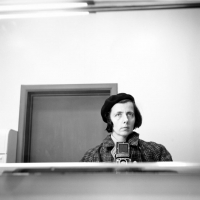 http://www.bernalespacio.com/files/gimgs/th-62_Vivian Maier Self-portrait, Chicago area, n_d_.jpg